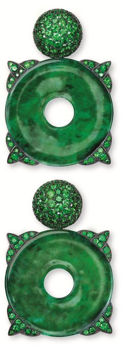 Green we love, the favorites of StoresConnect. Hemmerle jade earrings with tsavorite garnets, silver and white gold. Via The Jewellery Editor. Jade Earrings, Jade Jewelry, Diamond Jewelry, Jewellery Earrings, Diamond Earrings, Le Jade, Schmuck Design, Shades Of Green, My Favorite Color