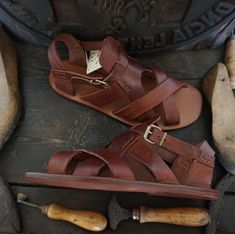 Men handmade sandals in Vegetable tanned Leather Mario Doni, Man Sandal in leather hand made, customized, colored, made in Italy Male Fashion Trends, Mens Fashion, Tan Leather, Leather Sandals, Mens Slide Sandals, Men Sandals, Leather Suspenders, Piel Natural, Diving