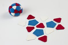32 panel footbag made by Hanna Mickiewicz from http://www.haniabag.com