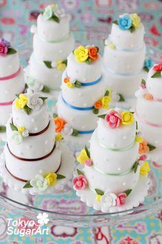mini gâteaux de marriage / mini wedding cakes