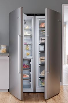Bosch freestanding fridge freezers combine cutting-edge technology with contemporary style that puts your fridge freezer at the centre of your kitchen. Freestanding Fridge, Large Fridge, Freezers, Stay Cool, French Door Refrigerator, Contemporary Style, Locker Storage, Centre, Kitchen Appliances