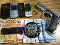 Dinheiro, armas, carro e arma apreendida em Gravat...