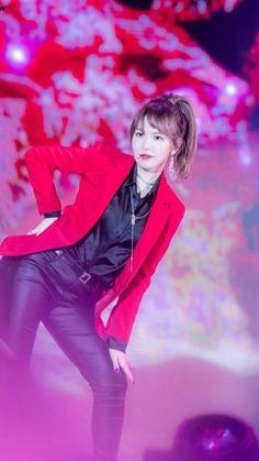 Wendy Red Velvet, Red Velvet Irene, Seulgi, Emma Watson Sexiest, Satin Blouses, Kpop Outfits, Celebs, Celebrities, Korean Beauty