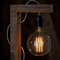 Лампа настольная ВИСЕЛЛИЦА на деревянном кронштейне-подставке. В…