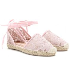 Reinventándose cada temporada llegan las #alpargatas más confortables. ¡adáptalas a tu estilo! #shoes #accesories #fashion #trends  http://www.studyofstyle.com/articulos/alpargatas-confort-veraniego