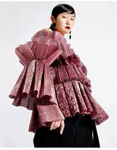 Robert Wun presents his collection - Our Culture Couture Fashion, Runway Fashion, High Fashion, Fashion Show, Fashion Outfits, Womens Fashion, Fashion Details, Fashion Design, Sculptural Fashion
