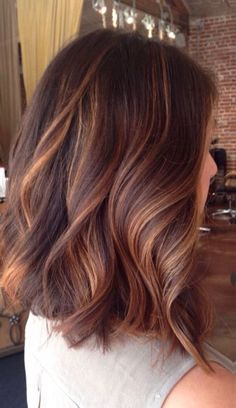 6 hair color trends 2019 for dark skin that looks younger - hair - . Hair Color Auburn, Hair Color Dark, Cool Hair Color, Fall Hair Colour, Cabelo Ombre Hair, Cinnamon Hair Colors, Gorgeous Hair Color, Hair Shades, Hair Color Balayage