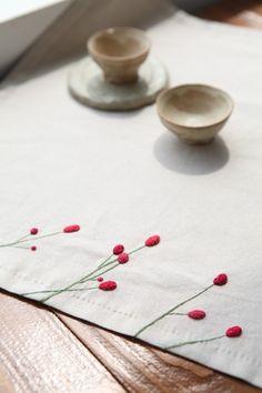 야생화 자수 우리 꽃을 곁에 두다. PART 2 - 7 오이를 ㅡ 김종희 ㅡ강가에