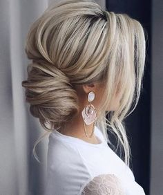 30 timeless bride hairstyles ❤️ If you are still looking for great hair - Frisuren - Best Hair Styles Great Hairstyles, Wedding Hairstyles For Long Hair, Wedding Hair And Makeup, Wedding Updo, Down Hairstyles, Hair Makeup, Hairstyle Ideas, Bridal Updo, Black Hairstyles