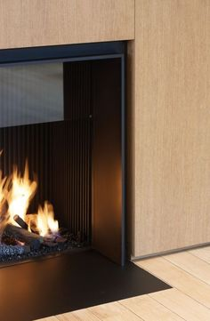 Discover the joy of a good oldfashioned fire with the top 70 best modern fireplace design ideas. Explore luxury builtin features for your home interior. Fireplace Tv Wall, Fireplace Design, Architecture Details, Interior Architecture, Luxury Interior, Interior Design, The Heat, O Gas, Hearth