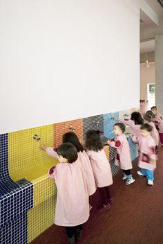 Nursery School and Kindergarten Kindergarten Interior, Kindergarten Design, Primary School, Elementary Schools, Daycare Design, School Bathroom, Kids Toilet, Public Bathrooms, Nursery School