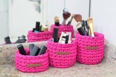Crochet Box, Crochet Basket Pattern, Knit Basket, Knitting Yarn, Knitting Patterns, Crochet Patterns, Knitting Ideas, Crochet T Shirts, T Shirt Yarn