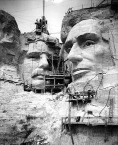 Construção dos bustos no Monte Rushmore