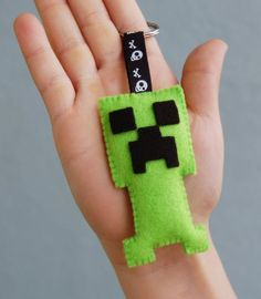 Minecraft Creeper felt key chain by Mielamiela on Etsy, $5.00: