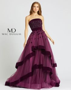 Red Ball Gowns, Ball Gown Dresses, Evening Dresses, Evening Hair, Designer Evening Gowns, Pretty Prom Dresses, Elegant Dresses, Nice Dresses, Beautiful Evening Gowns