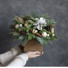 Christmas Wreaths, Christmas Decorations, Holiday Decor, Pine Cone Decorations, Table Decorations, Winter Floral Arrangements, Flower Boxes, Flowers, Craft Show Ideas
