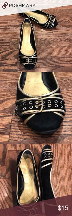 Nine West Black Suede Leather Flats 8.5 Gold Cute black suede genuine leather flats featuring gold trim and adjustable toe buckle. Size 8.5. I usually wear 8 but have wider foot so occasionally l can fit 8.5—I wouldn't buy these if you are sometimes a 9. Some of the gold coloring material is scraped on the heel which is not really visible when you are standing up. The suede is In Great condition. Non smoking home. Nine West Shoes Flats & Loafers