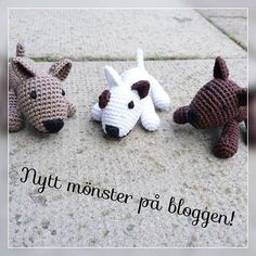 This bullterrier is a small size, made for a stroller toy, baby mobile or a key . : This bullterrier is a small size, made for a stroller toy, baby mobile or a key chain. English translation is coming soon. Crochet Bear, Cute Crochet, Crochet Animals, Crochet Crafts, Crochet Toys, Crochet Projects, Crochet Dog Patterns, Amigurumi Patterns, Amigurumi Doll