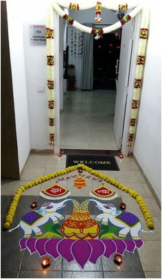 Rangoli Designs for Diwali: Do you wish to take some artistic inspiration for this Deepavali? Take a look at these best and beautiful Kolam patterns, along with simple tips and tricks! Rangoli Designs Peacock, Rangoli Designs Simple Diwali, Rangoli Simple, Indian Rangoli Designs, Rangoli Designs Latest, Free Hand Rangoli Design, Small Rangoli Design, Rangoli Patterns, Rangoli Ideas