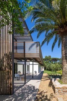 villa-bois-comtemporaine-provence-3.jpg