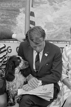 "jfk-and-jackie: "" Bobby and his beloved Springer Spaniel Freckles. Freckles campaigned with him in In his final speech after winning the California primary Kennedy thanked Freckles (even before. Los Kennedy, Ethel Kennedy, Robert Kennedy, Jackie Kennedy, Jaqueline Kennedy, Chien Springer, Journal Photo, People Reading, Familia Kennedy"