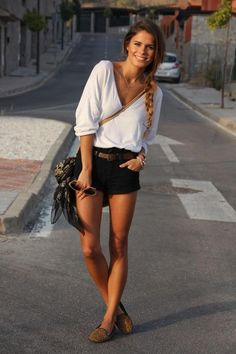casual black shorts outfit.....I feel like I should be traveling in this outfit