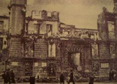 Fotografía de unas ruinas en Calle Larios. La Guerra Civil Española tuvo una duración aproximada de 7 meses, desde el 18 de Julio de 1936 hasta el 8 de Febrero de 1937, cuando la ciudad es tomada por las tropas sublevadas.