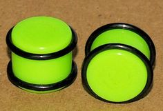 Pair+of+Green+Acrylic+Saddle+Ear+Plugs+With+O-Rings+9/16+-+14mm