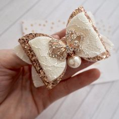 """Medium hair bow approx 3.5"""" in size made from wool felt with a lace overlay and a rose gold glitter Making Hair Bows, Diy Hair Bows, Ribbon Hair, Bow Hair Clips, Ribbon Bows, Ribbon Flower, Fabric Flowers, Christmas Hair Bows, Felt Bows"""