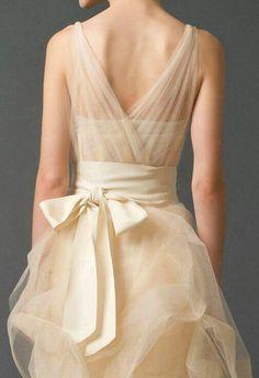 살구색 드레스