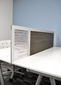 6' Privacy Screen with Wood Laminate & 3Form Resin Panel