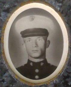 Virtual Vietnam Veterans Wall of Faces   ROBERT J MOLOSSI   MARINE CORPS