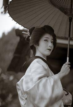 2016 芸妓 祇園甲部 真希乃さん 智積院にて 2016 geiko, Gion Kobu, Makino at Chishakuin