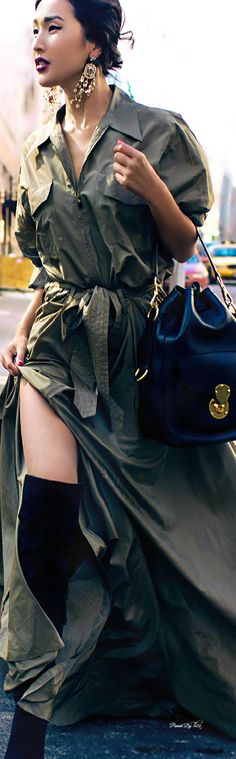 Ralph Lauren Handbag and that Maxi! Diva Fashion, Womens Fashion, Fashion Design, Street Chic, Street Style, Valentino, Into The West, 2015 Fashion Trends, Ralph Lauren Collection
