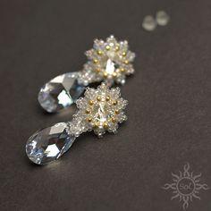 #elegantjewelry #sparklingjewelry #crystaljewelry #rhinestonejewelry #Swarovskijewelry #weddingfashion #beadwovenearrings #pearearrings #moonlightearrings #weddingjewelry #bridaljewelry #Swarovskiearrings #whiteearrings #whitegold #crystalearrings #elegantearrings #rhinestoneearrings #romanticearrings #elegantbridal