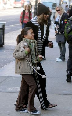David Bowie Daughter Iman and lexi out and about - black celebrity kids
