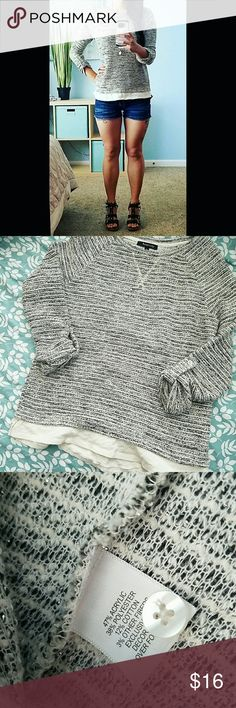 ✴3/4 sleeve sweater✴ Lightweight Tweed 3/4 sleeve casual sweater with peek-a-boo hemline. Smoke-free home. Reposhing as this isn't quite my style Relativity Sweaters