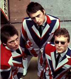 The Jam: Paul Weller with bandmates Bruce Foxton and Rick Buckler in their mod… New Wave, 80s Music, Music Icon, Union Jack, Photo Rock, It Icons, The Style Council, Paul Weller, Skinhead