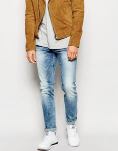 "Jeans by Pepe Jeans Stretch denim Light wash Low-rise Zip fly Slim fit - cut closely to the body Machine wash 98% Cotton, 2% Elastane Our model wears a 32""/81cm regular and is 185.5cm/6'1"" tall"