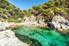 CALA MORISCA ( COSTA BRAVA) GERONA Beach Vibes, European Holidays, Cadiz, Menorca, Beach Wear, Parcs, Stay The Night, What A Wonderful World, Travel And Tourism