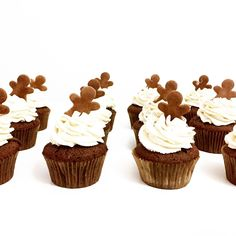 Mini Cupcakes, Food And Drink, Desserts, Basket, Tailgate Desserts, Deserts, Dessert, Food Deserts