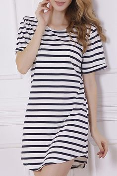 This dress looks so comfortable and casual, but could easily be dressed up.