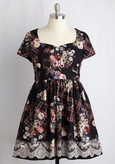Charm Convention Dress in Floral Plaid | Mod Retro Vintage Dresses | ModCloth.com