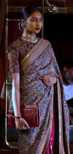 Sabyasachi Saree                     Pinterest: @Littlehub  -[[Sabyasachi~❤。An Exquisite Clothing World]] Sabyasachi Sarees, Indian Sarees, Anarkali, Indian Attire, Indian Wear, Indian Dresses, Indian Outfits, Saree Blouse Designs, Blouse Patterns
