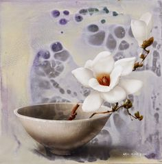 Chul-Hwan Park is a Korean Still Life painter of flowers. Each has beauty in the movement captured like a photograph. Korean Art, Asian Art, Still Life Art, Art Oil, Flower Art, Flower Plants, Decorative Bowls, Pattern Design, Arts And Crafts