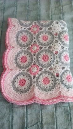 Baby girl blanket - this is just beautiful :) @klhaines57 How hard would this be?