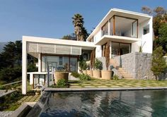 contemporary modern architecture. Eyzaguirre House by Jorge Figueroa & Associates (dezeen)