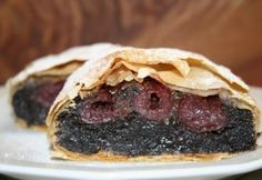 Meggyes-mákos rétes réteslapból Strudel, Cake Cookies, Deserts, Cooking Recipes, Sweets, Beef, Baking, Ethnic Recipes, Food