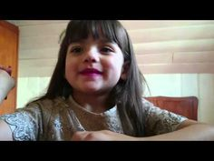 Nicole brincando de massinha - YouTube