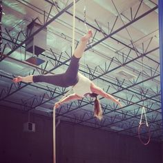 """""""Life isn't about waiting for the storm to pass, it's about learning to dance in the rain."""" -Vivian Greene  #aerialrope #cordelisse #cuerda #verticalrope#circus #cirque #circo #aerial #aerialarts #aerialfitness #getaerialfit #girlintheair #aerialistsofig #circusartistcirque #aerialbeauty #circuseverydamnday"""